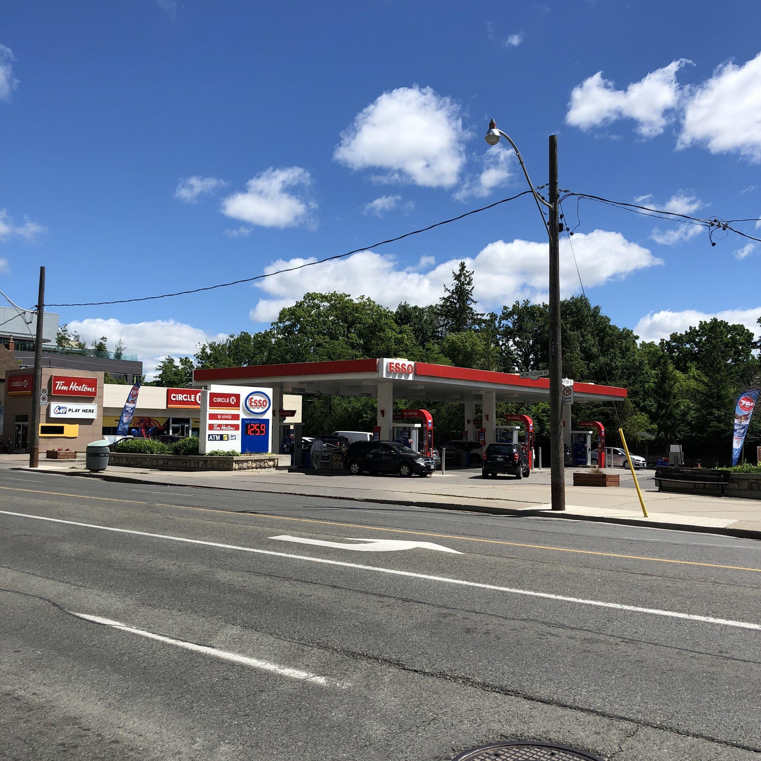 Mount Pleasant and Merton, northwest corner Davisville Post 2019