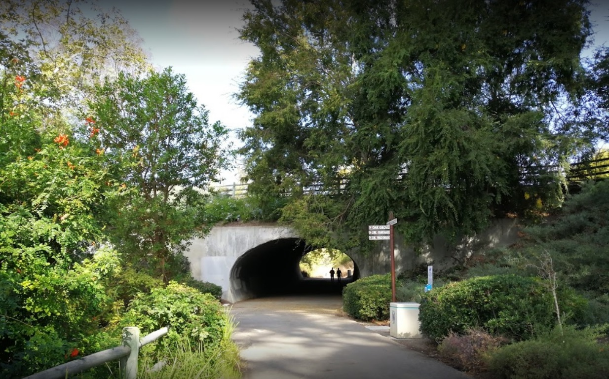 oso-creek-trail-tunnel.jpg