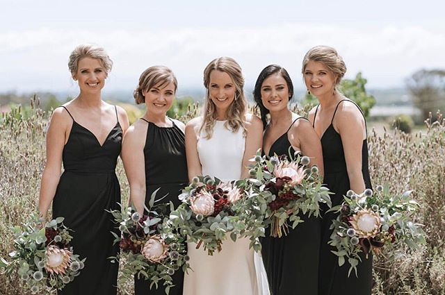 Aleece and her girl gang  I love how individual each bridesmaid is to look their best! 🌿🌿🌿 📷 @estradaweddings  Florals @magdalen.hill.florals  Mua @josie_brenstrum_mua