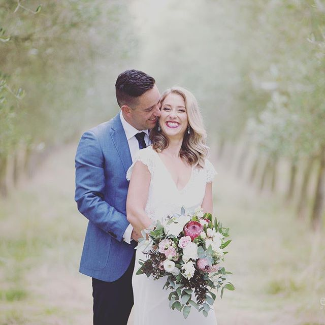 Willem and Julia 📷 @eva_bradley_photography  Makeup @candicedearmakeup 🌿🌿🌿 #whathappinesslookslike #evabradleyphotography #michellefey #teawa #hawkesbayweddings #hawkesbay #newzealandweddings #hawkesbayphotographer