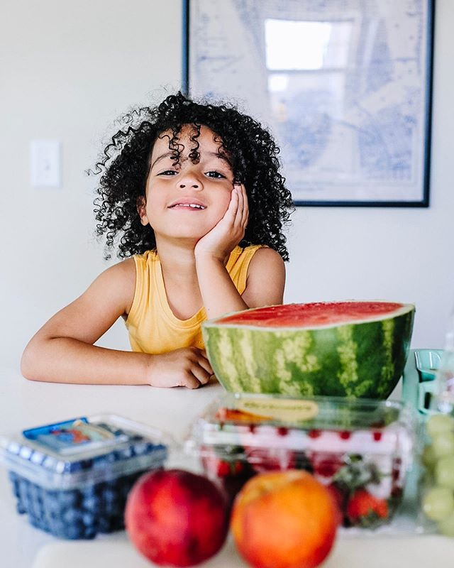 The universal facial expression for toddler boredom! 🤣 Arya and I made juicy Watermelon Pizza and it was the healthiest, no cook recipe I've found so far this summer. Need an easy snack to entertain your kiddos by the pool during the week? Head to the blog to check it out.  And a huge thank you to our local @stopandshop - for being 6 minutes down the road so I can brave the grocery store alone with a baby and toddler and for an actual rewards program that saved me $43 on our produce haul. That's gotta be my best savings record yet!  @stopandshop #StopAndShop #sponsored