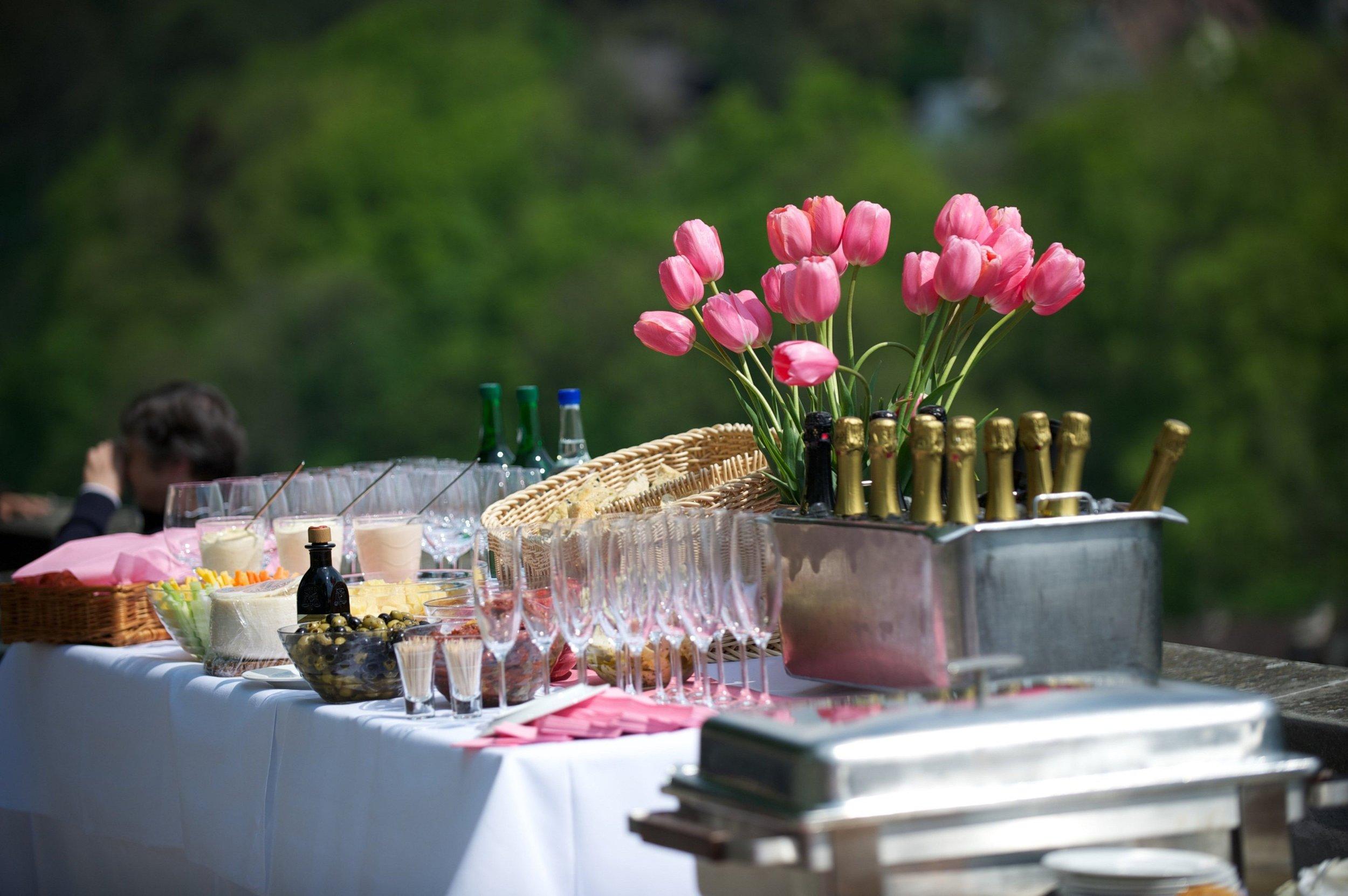 table-flower-decoration-meal-food-flora-1017225-pxhere.com.jpg