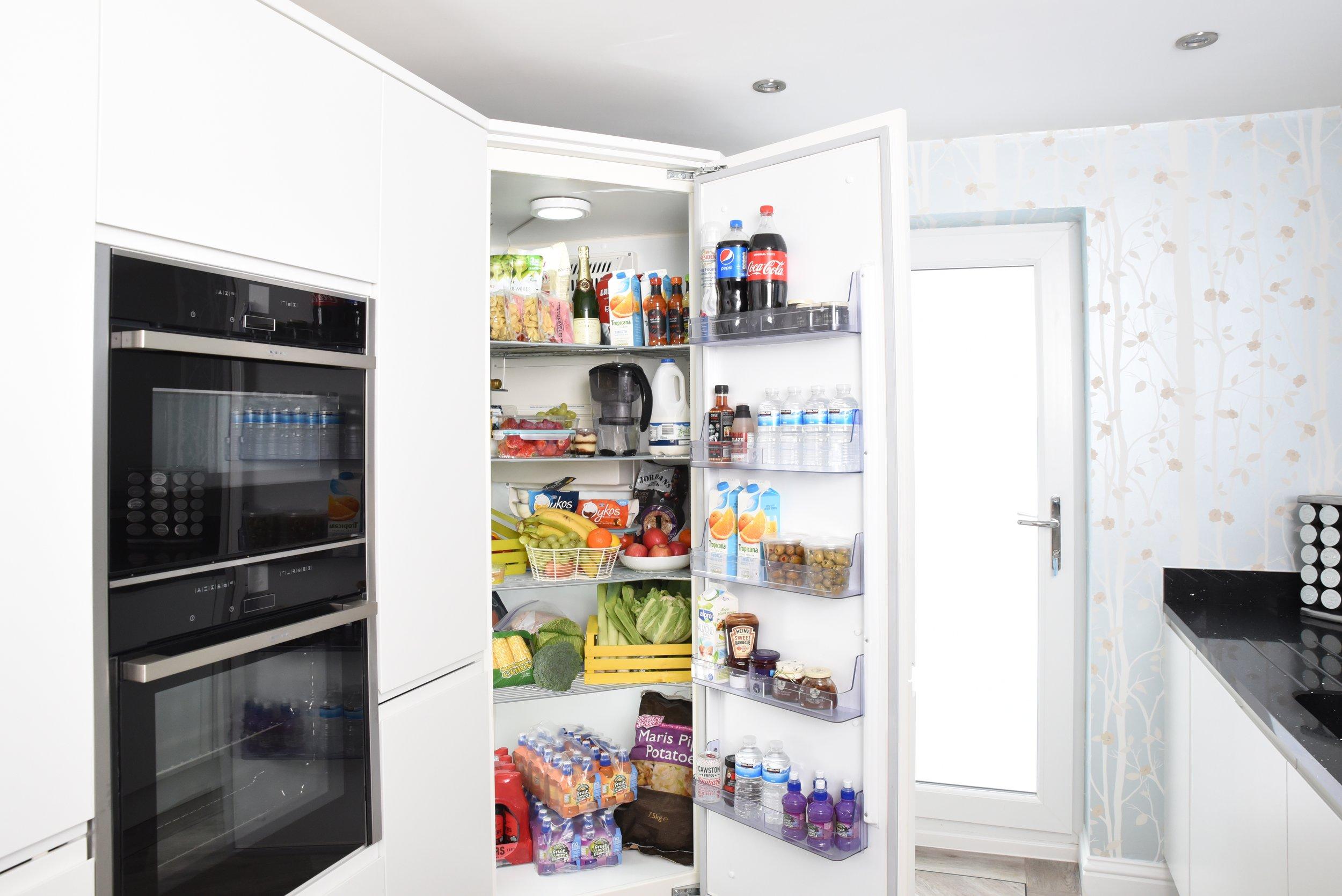 fridge-3475996.jpg