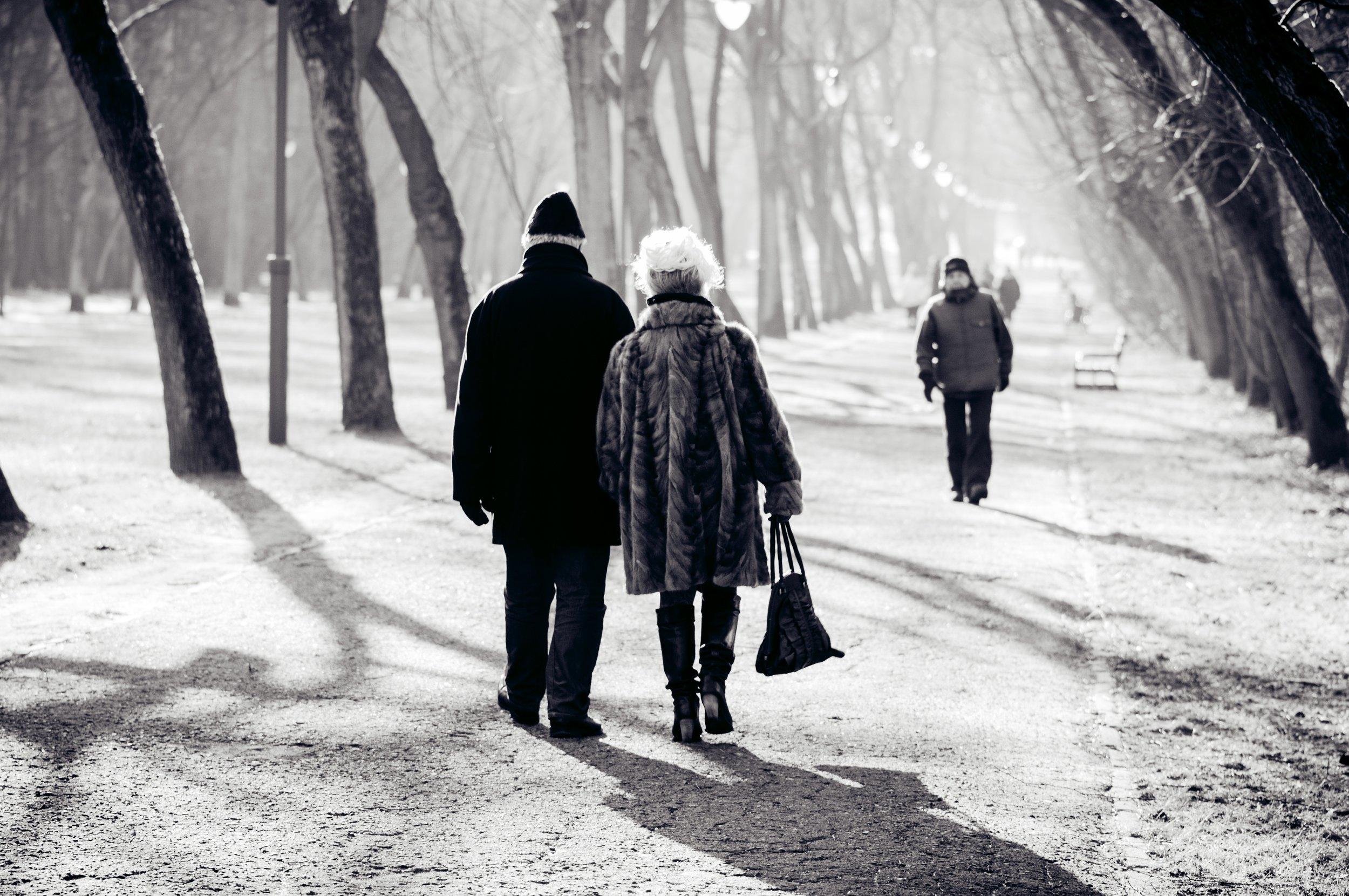 man-nature-walking-snow-winter-black-and-white-853220-pxhere.com.jpg
