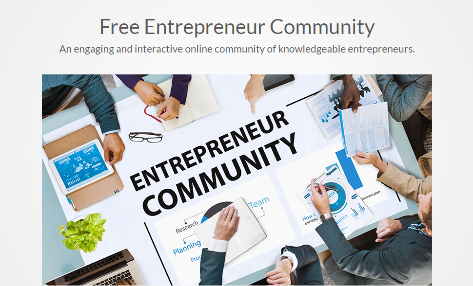 Online Community - Students work with, learn from & even teach others in our free community. The entrepreneurial spirit & positive mindset is contagious! Students can stay connected with other entrepreneurs, fill out profiles showcasing achievements and reap the benefits of belonging in a professional community. Our community tools also help students stay up to date on new technology, trends and research through our daily news and useful links, plus students can win awards for their community contributions!