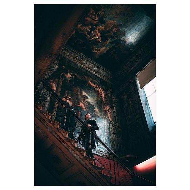 Stairway to Heaven - Sony A7r ii w/Sony Zeiss 35mm f1.4 - - - - #nottingham #nottingham #lonelyplanettraveller #ig_photooftheday #sonyalpha #zeisscameralenses #worsfold #streets_vision #travelblogger #bestplacetogo #cornersofmyworld #travelphotography #visualsoflife #bravogreatphoto #alphacollective #lifestyleblogger #bealpha #streetphotographyinternational #instagood #postcardsfromtheworld #travellingthroughtheworld #wanderlust #staircase #huffposttravel #theslowdowncollective #beautifulplaces #travelphotography #wollatonhall #vscocam #vsco
