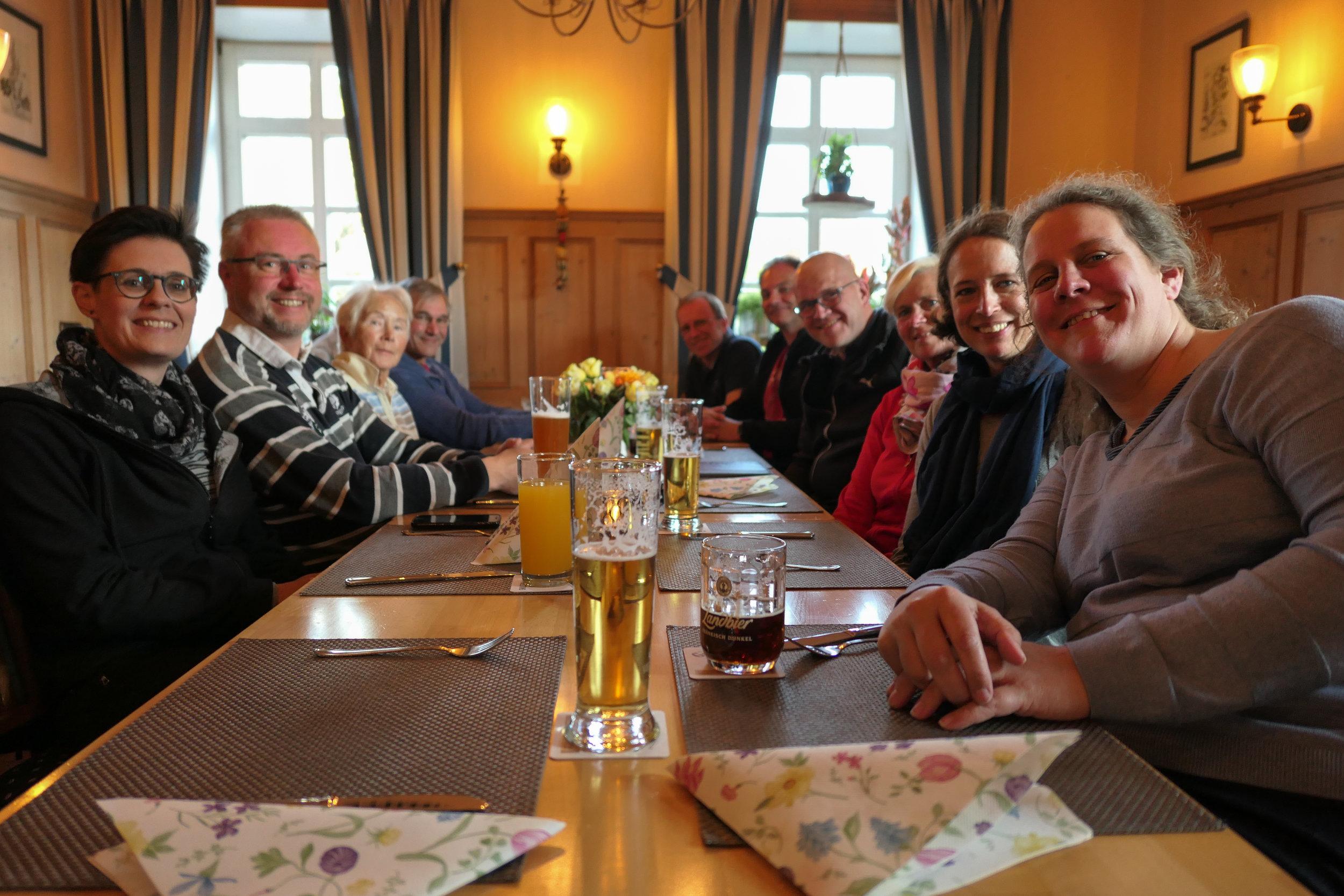 maiwanderfahrt-weser-2019-2_0088_2019-04-28_18-47-08.jpg