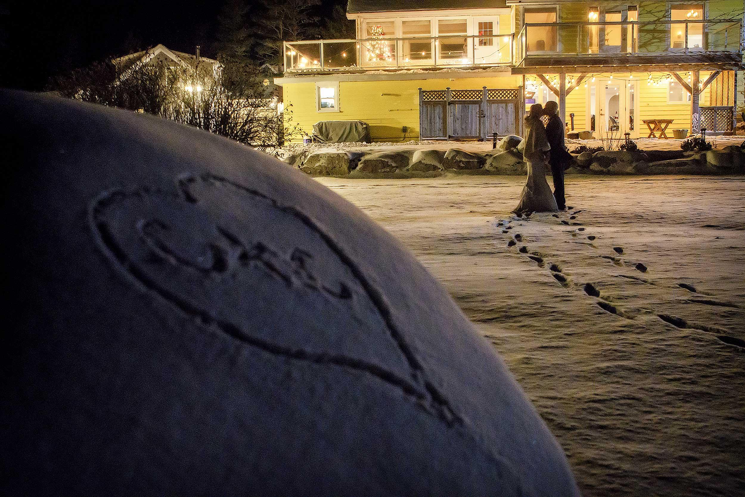 oceanstone-wedding-winter-kiss.jpg