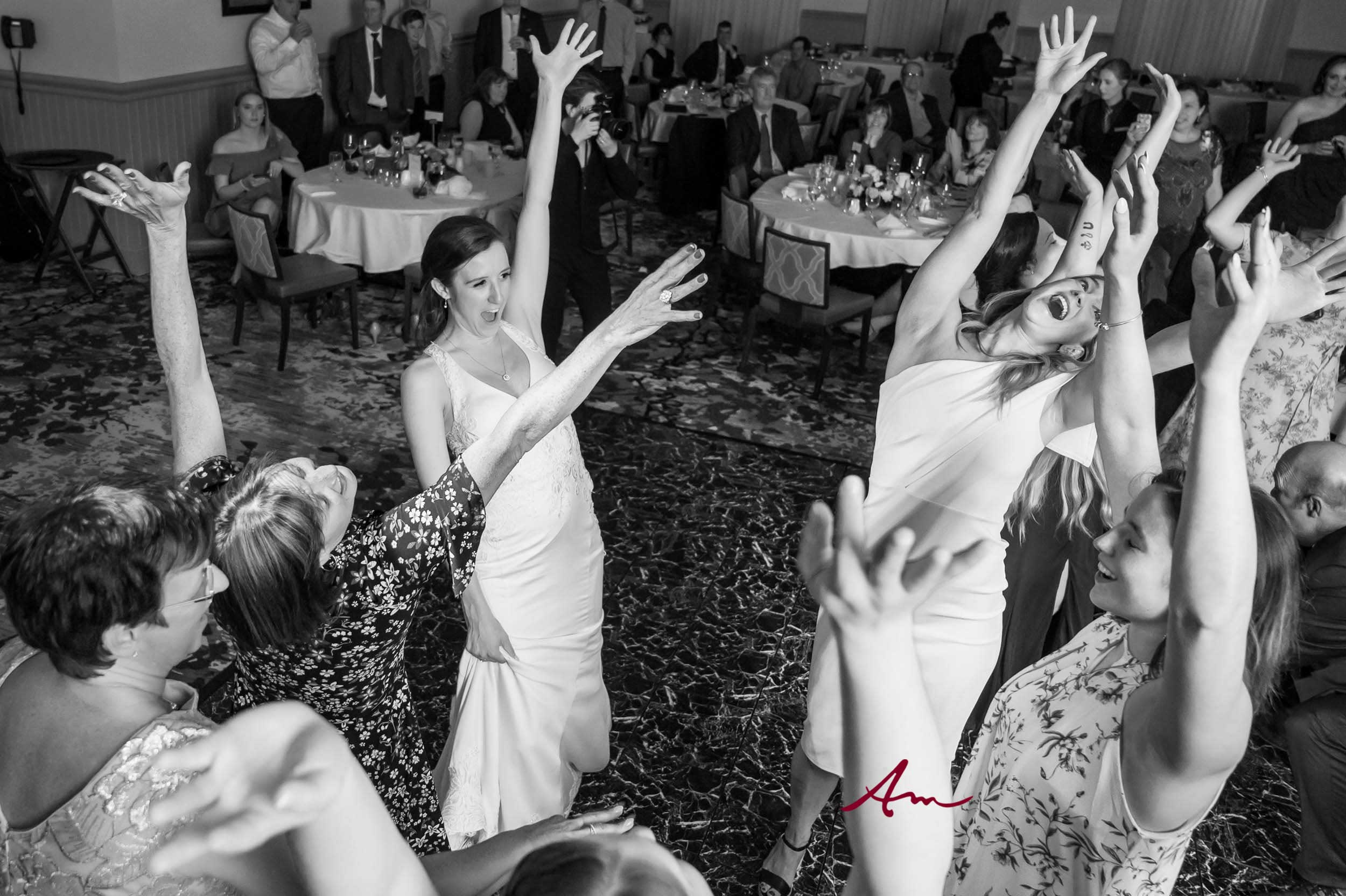 Fox-Harb'r-Wedding-Party-Dance-Floor.jpg