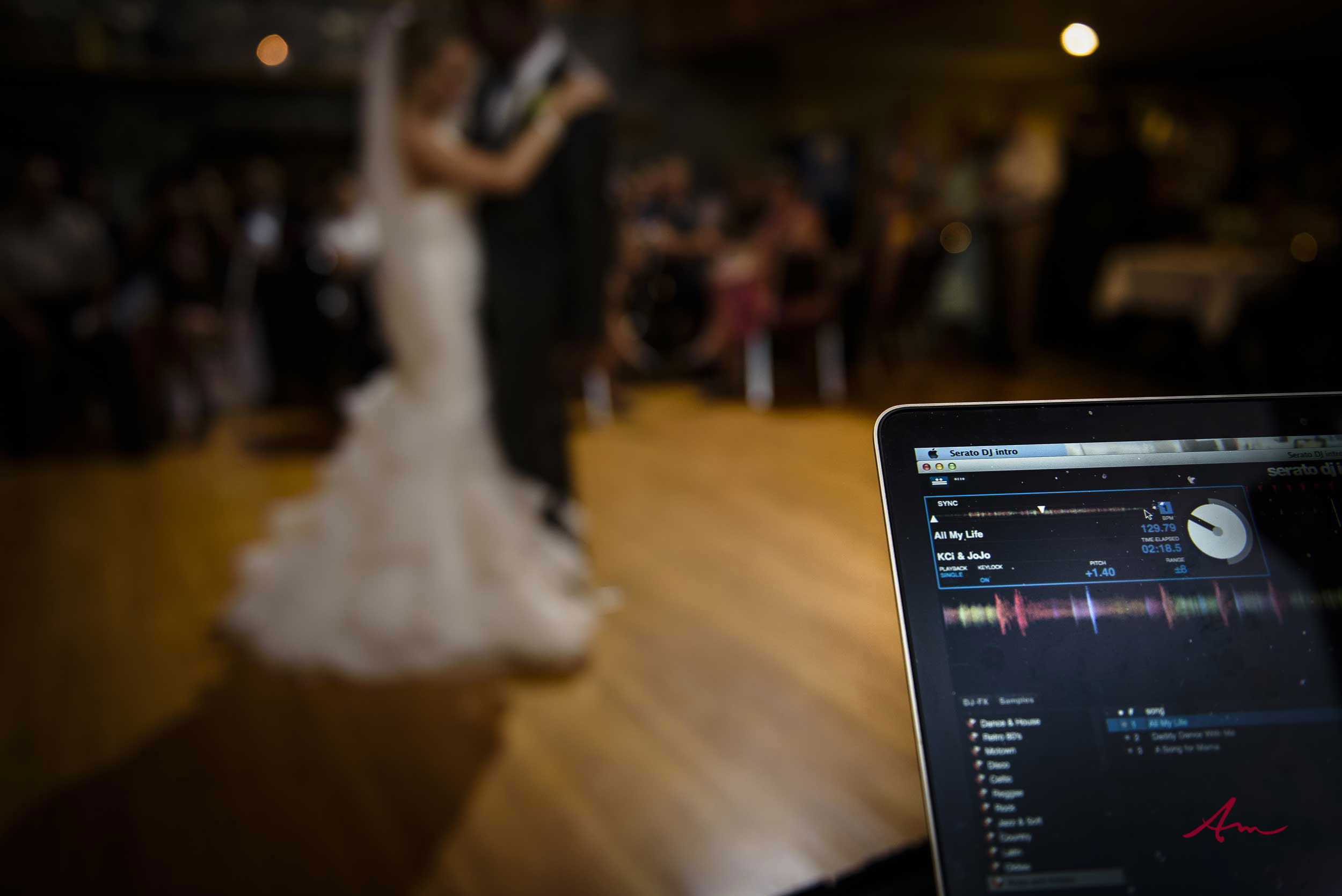 Liscombe-wedding-dancing.jpg