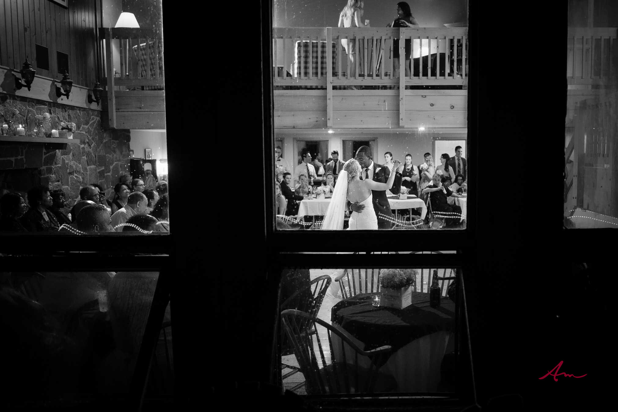 Liscombe-wedding-firstdance.jpg