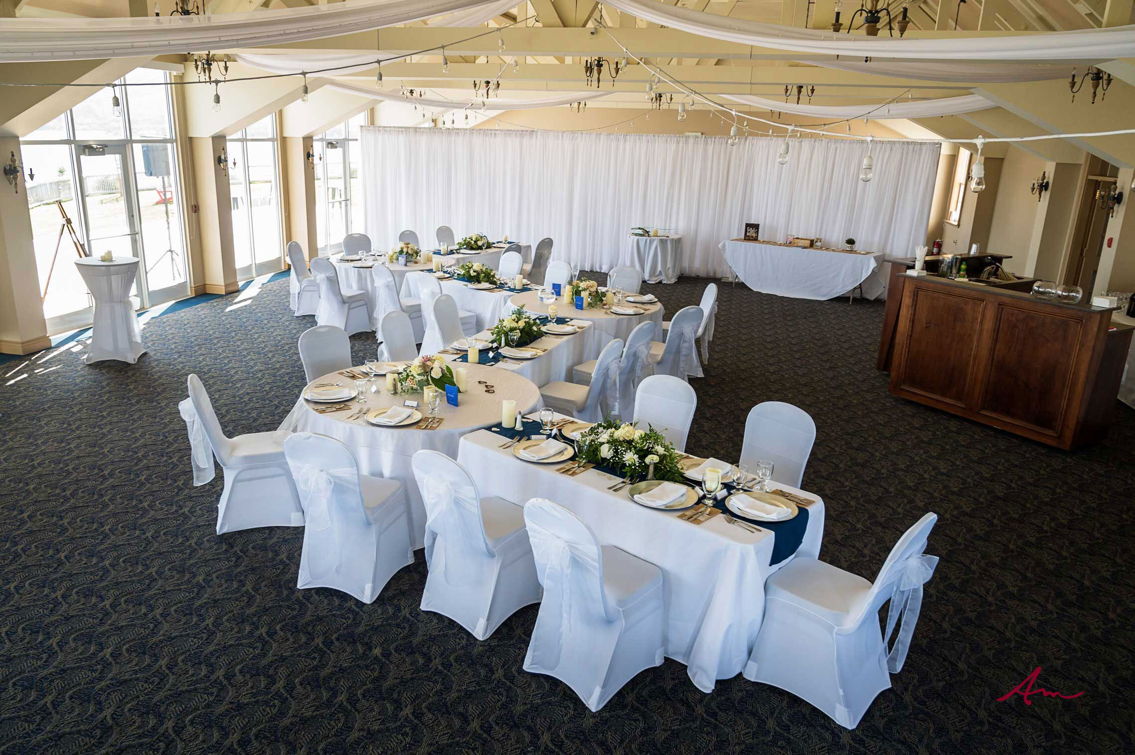 Such a great setup for an intimate wedding.