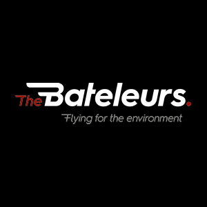 The Bateleurs generously donated flights to help with the lion relocation. Founded in 1998, the organization provides an aerial perspective of the environment and has coordinated diverse missions throughout South Africa to support environmental issues.