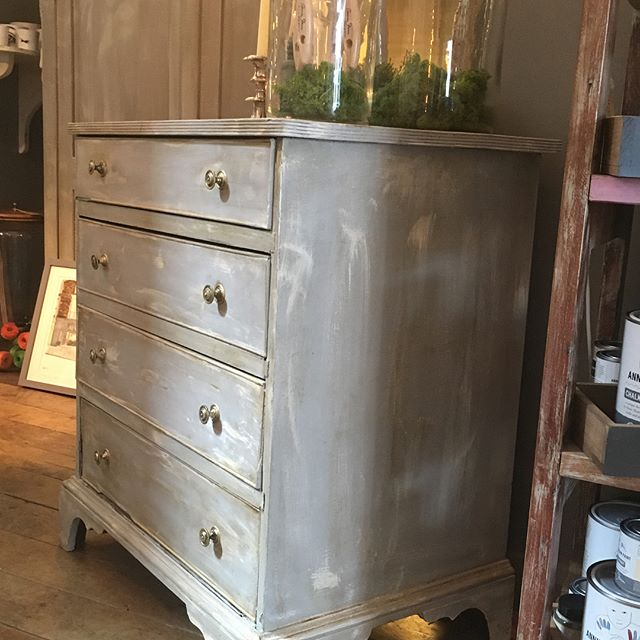 #antique #georgian small chest of drawers #forsale £350. Painted in #anniesloanchalkpaint Paris Grey and Pure with clear and dark wax #anniesloanstockist #interiors #interiordesign #unique #decor #handpainted #norwich