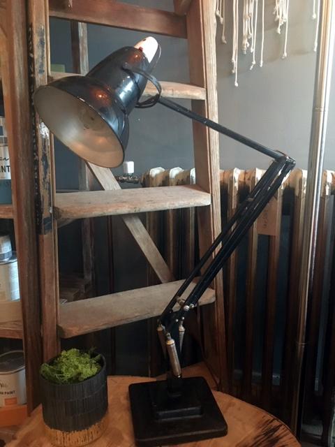 vintage-ladder-anglepoise-hire.png