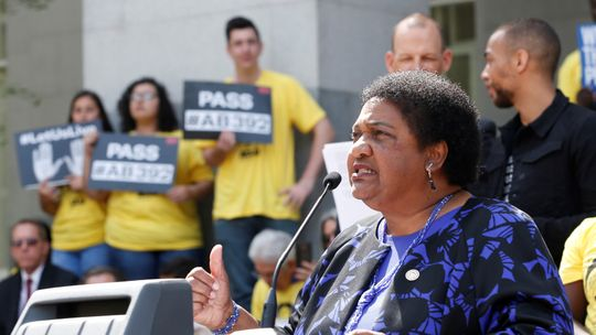 Assemblywoman Shirley Weber, D-San Diego, discusses her proposed measure to limit the use of deadly force by police during a rally at the Capitol on Monday, in Sacramento. Weber's bill would require officers to use de-escalation tactics and allow the use of deadly force only when it is necessary to prevent immediate harm to themselves or others.  (Photo: AP PHOTO)