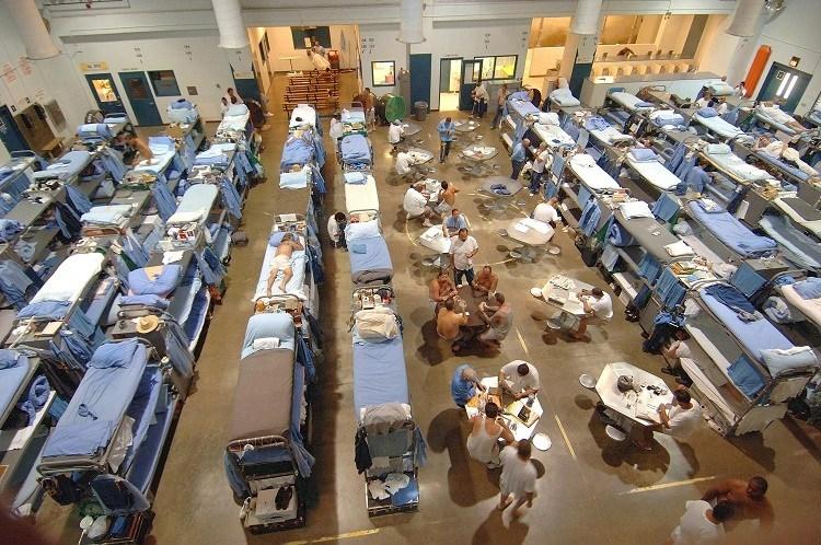 Prison_crowded.jpg