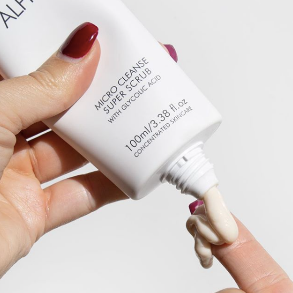 Alpha-H Micro Cleanse Super Scrub contains 12% Glycolic Acid to clear blocked pores and remove dead skin cells. Image source:  @Alphahskincare
