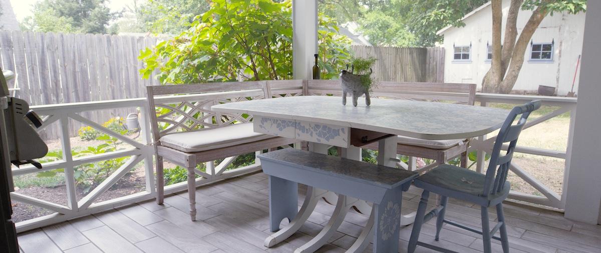 Porch 00007.jpg
