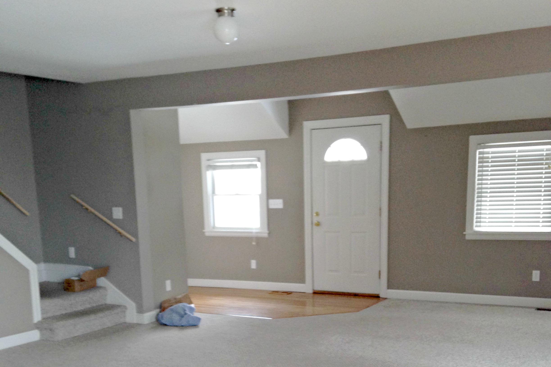 entryway before 3.jpg