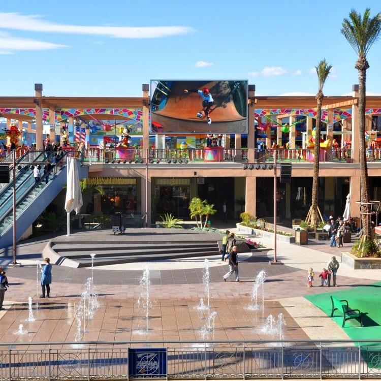 animación Diariamente Orden alfabetico  The modern shopping centre experience — Golden Visas in Spain