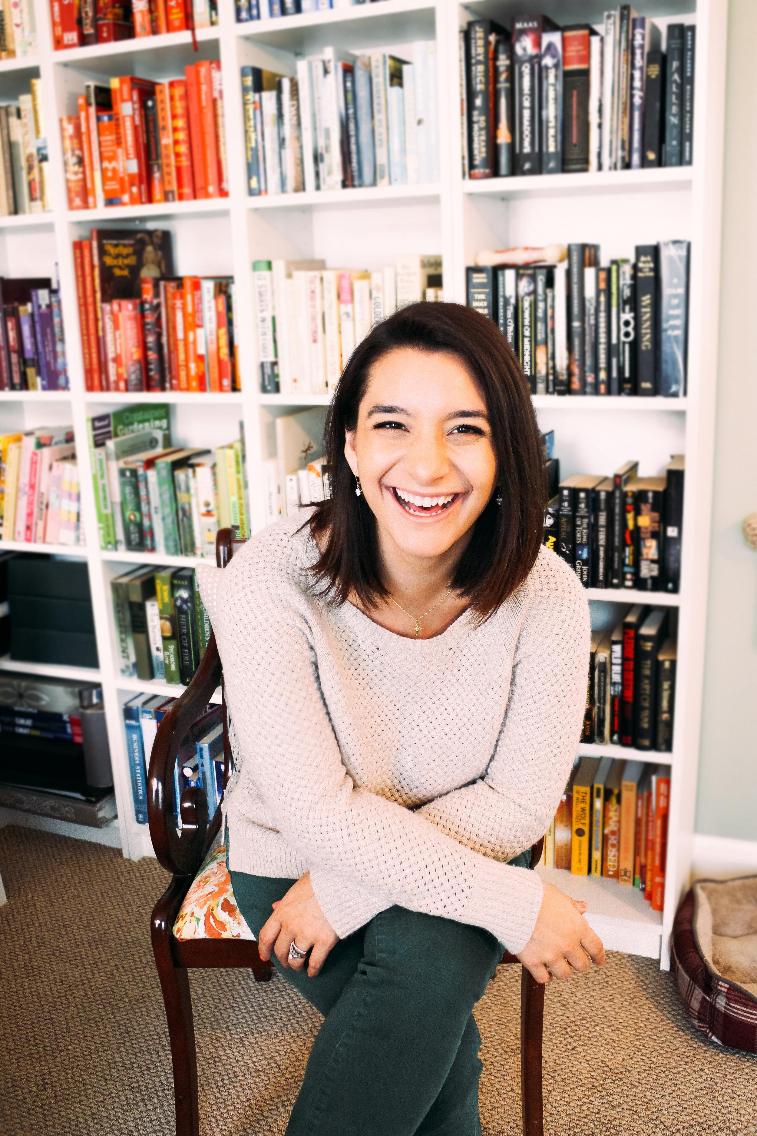 Allison Lindstrom Headshot.jpg