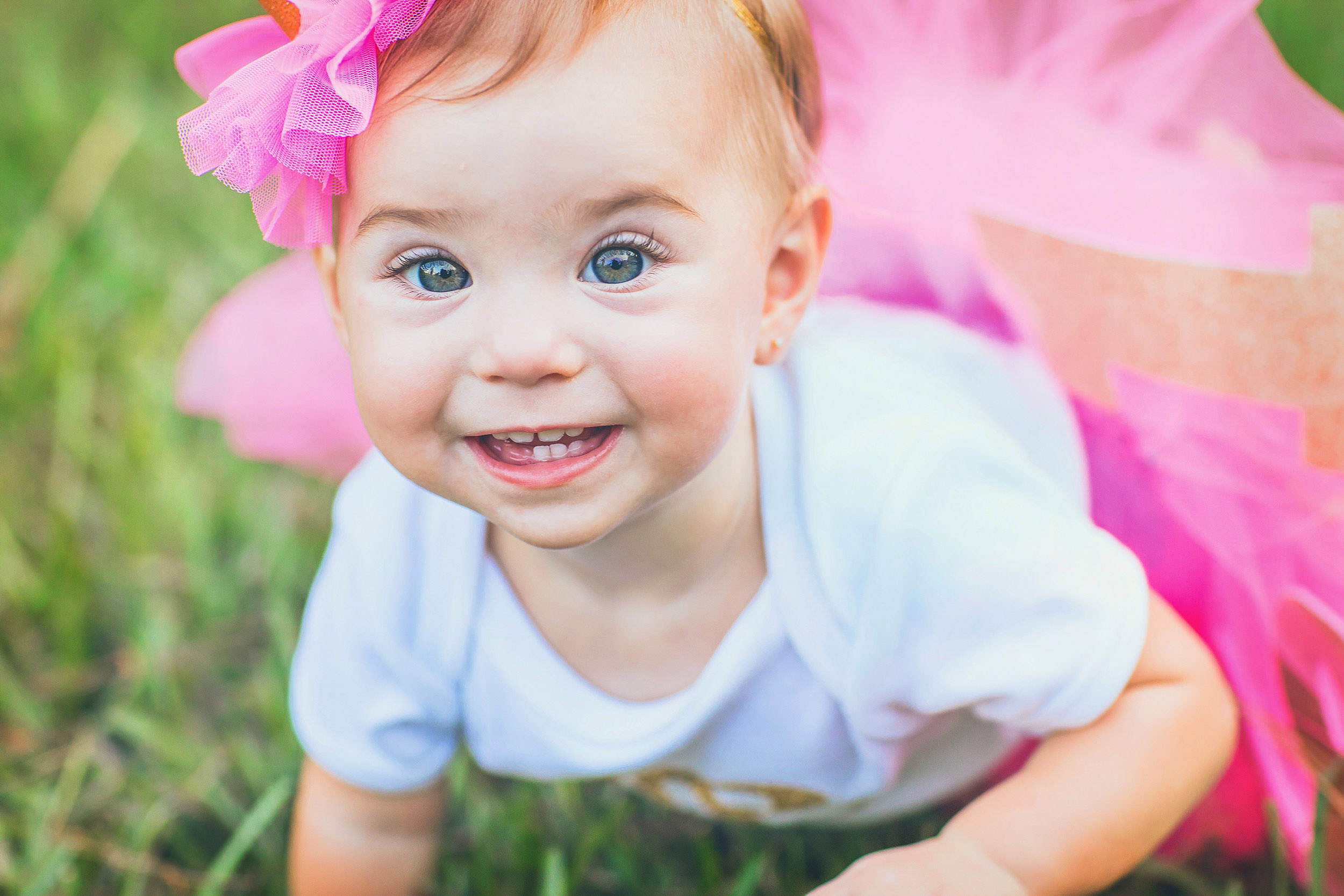 One year portrait in tutu in The Woodlands by spryART photography.