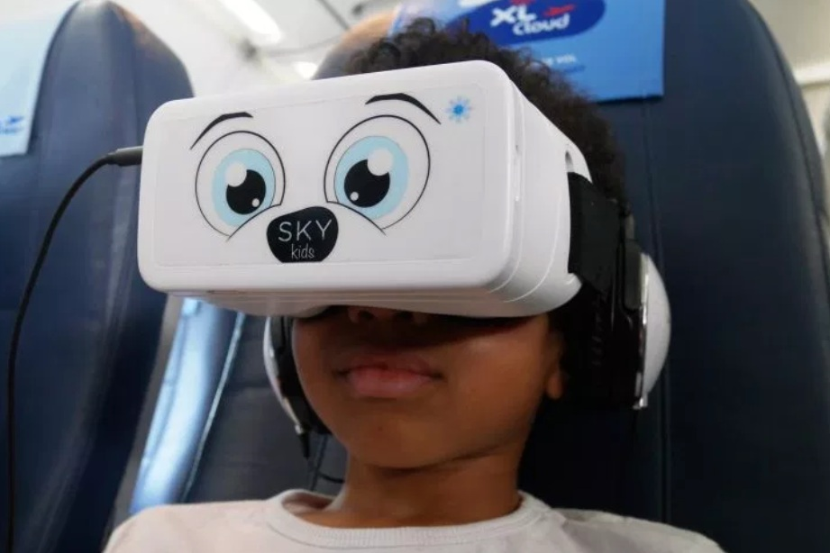 U.S. needs a task force to examine risks AR, VR, and 5G pose to kids - William Heathershaw