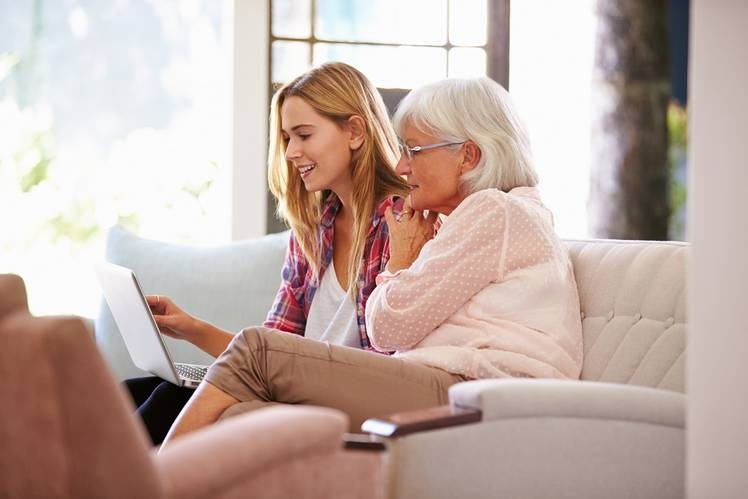 It's Grandparents vs. Parents in the Battle Over Kids' Screens - Julie Jargon
