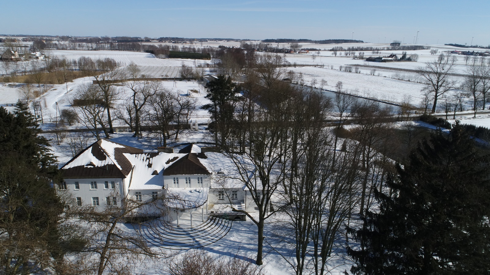 winter in the hall - a view from above