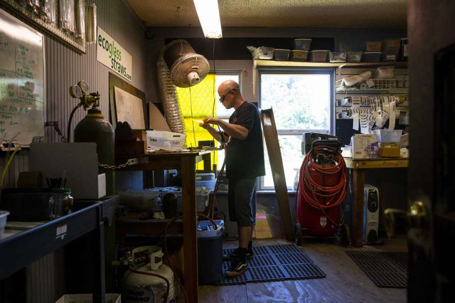 Craig Graffius in his workshop.      Photographer: Terray Sylvester/Bloomberg
