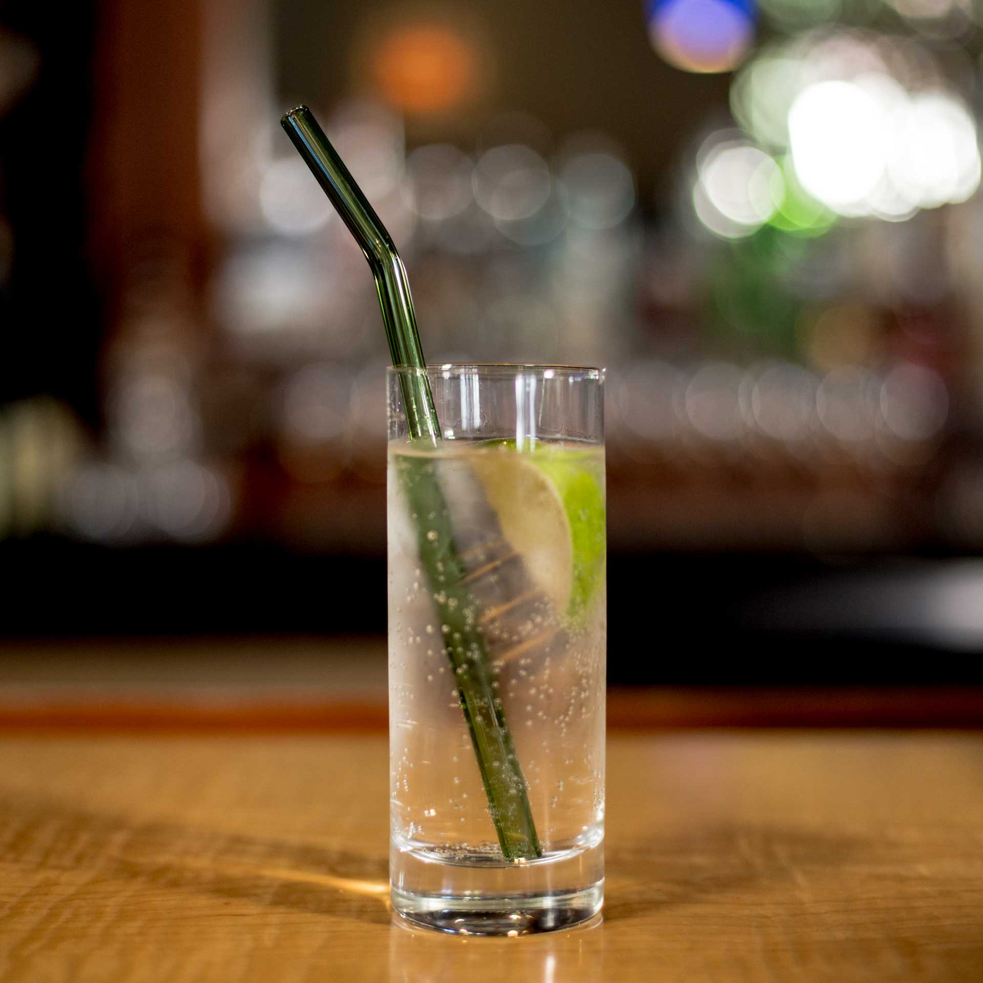 EcoGlassStraw_Bent_Green_lime_TallGlass.jpg