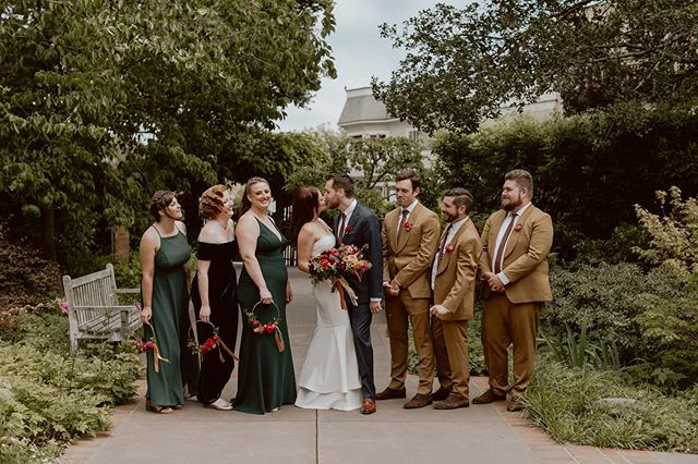 Mod, vintage waves, boho and Kendal Jenner vibes with this bridal party!  Each girl wanted something totally different and unique than what you typically see in bridal and I am LIVING for it!!! Congratulations to Elizabeth and Daniel! 💍♥️8.17.19♥️💍 . 📸 @gretchengause  Hair Tay C. #MUAHTayCercone MUA @haley_belle_beauty