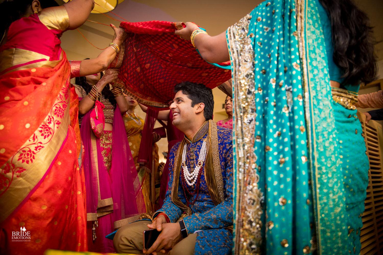 Best Wedding Photographer Vadodara_066.jpg