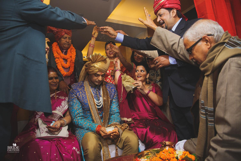 Best Wedding Photographer Vadodara_071.jpg