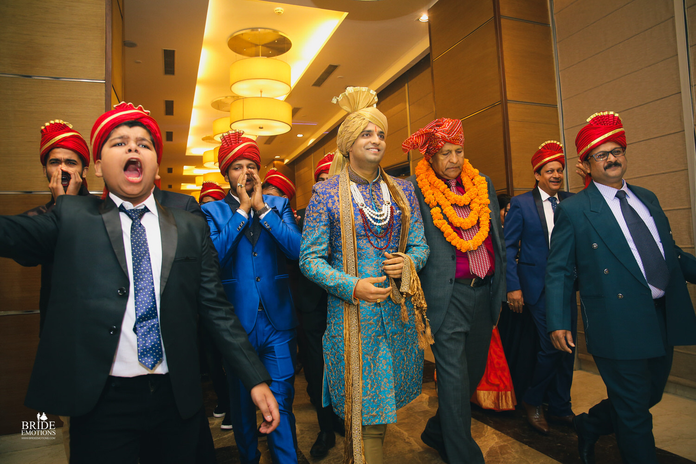 Best Wedding Photographer Vadodara_070.jpg