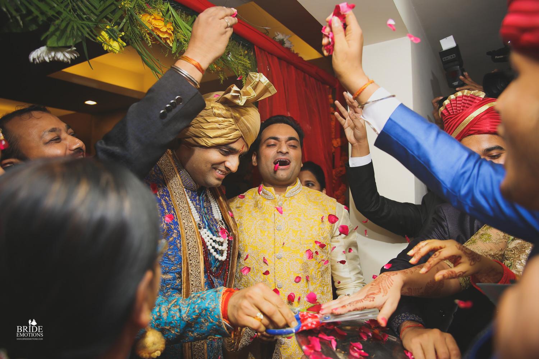 Best Wedding Photographer Vadodara_073.jpg