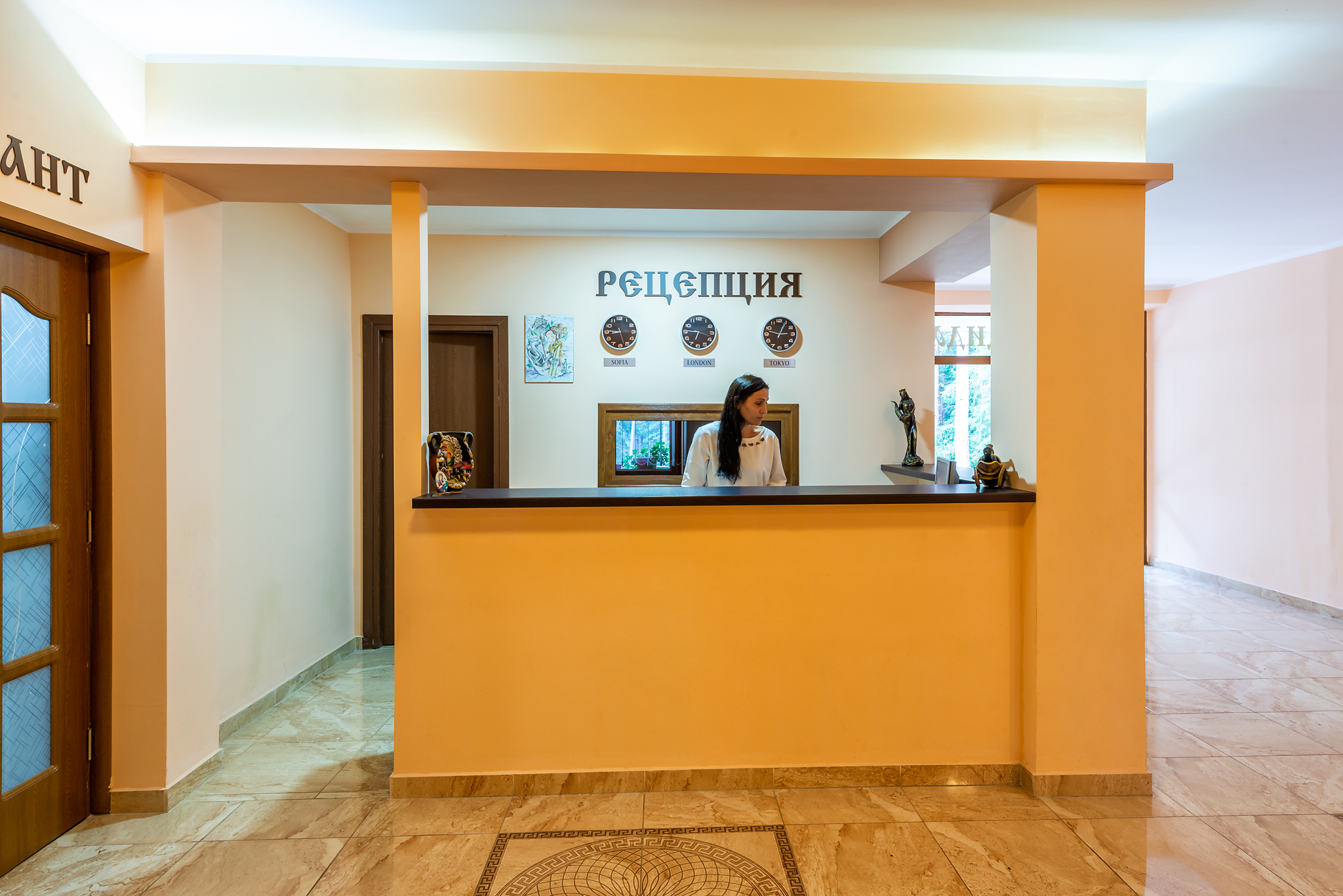 - Хотел Бендида има 27 стаи и 3 апартамента, предлагащи уют и комфорт.