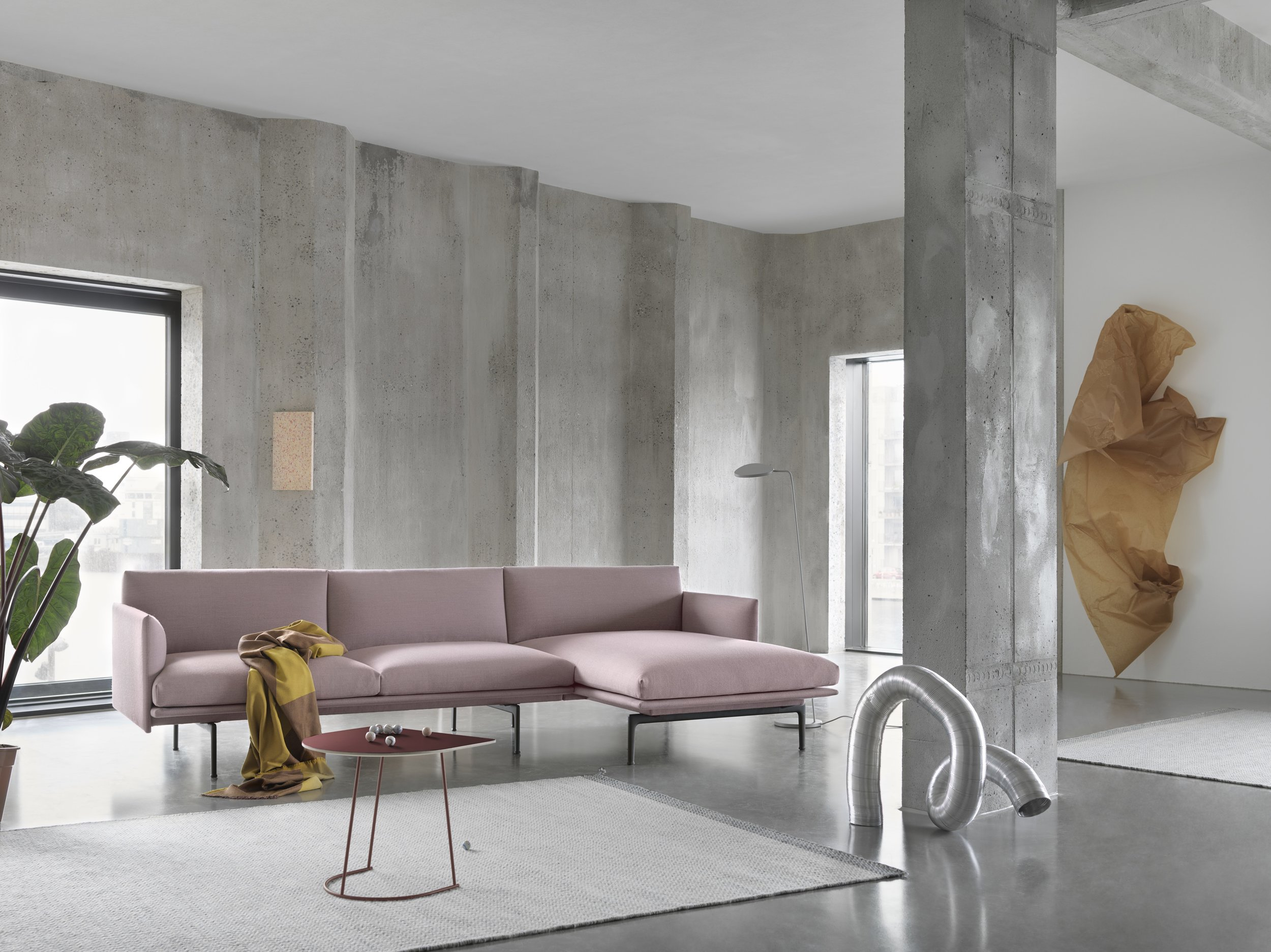 Outline-Chaise-longue-Fiord-551-Airy-plum-Ply-Sway-Leaf-Floor-Lamp-org.jpg