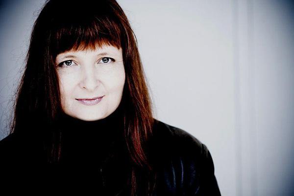 克里斯蒂娜·普魯哈爾(Christina Pluhar)