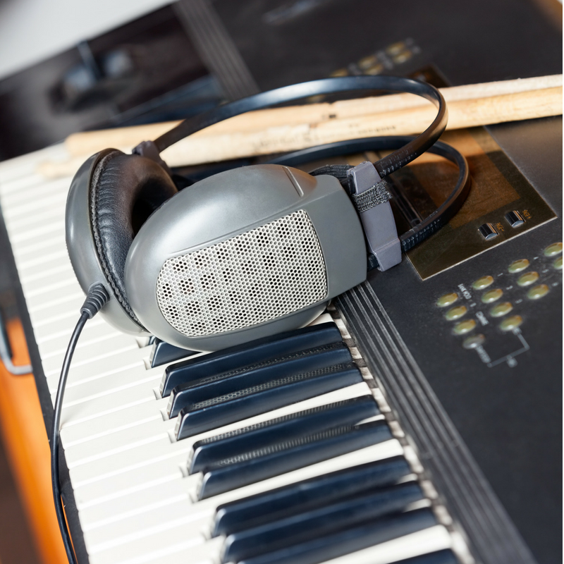 Jam-with-jimmi-t-gilbert-music-studio.png