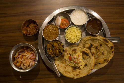 bharawan da dhaba places to eat in amritsar
