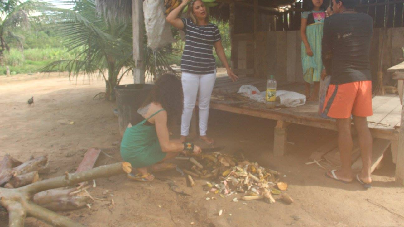 Creating the first compost system at Mutum's village - November 2017