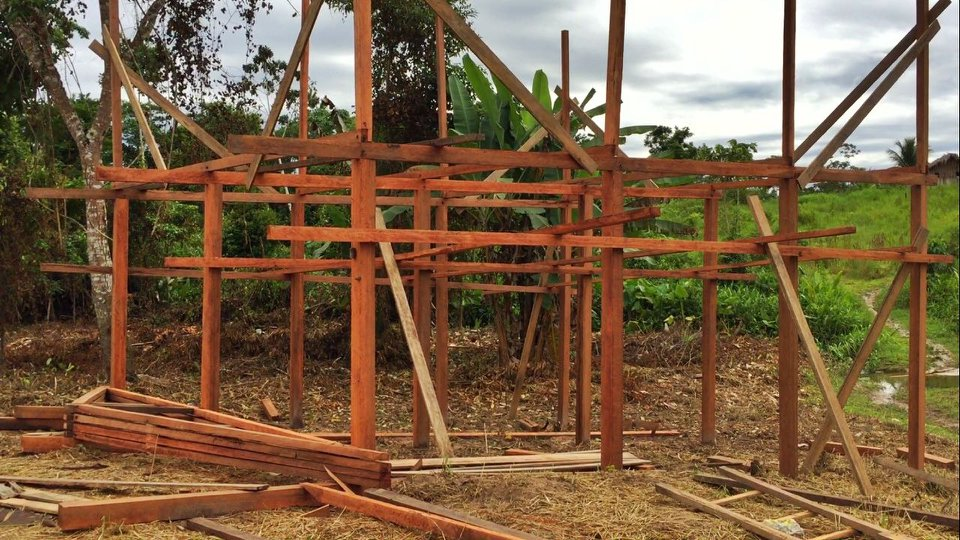 Building the solid waste station at Mutum village - April 2018