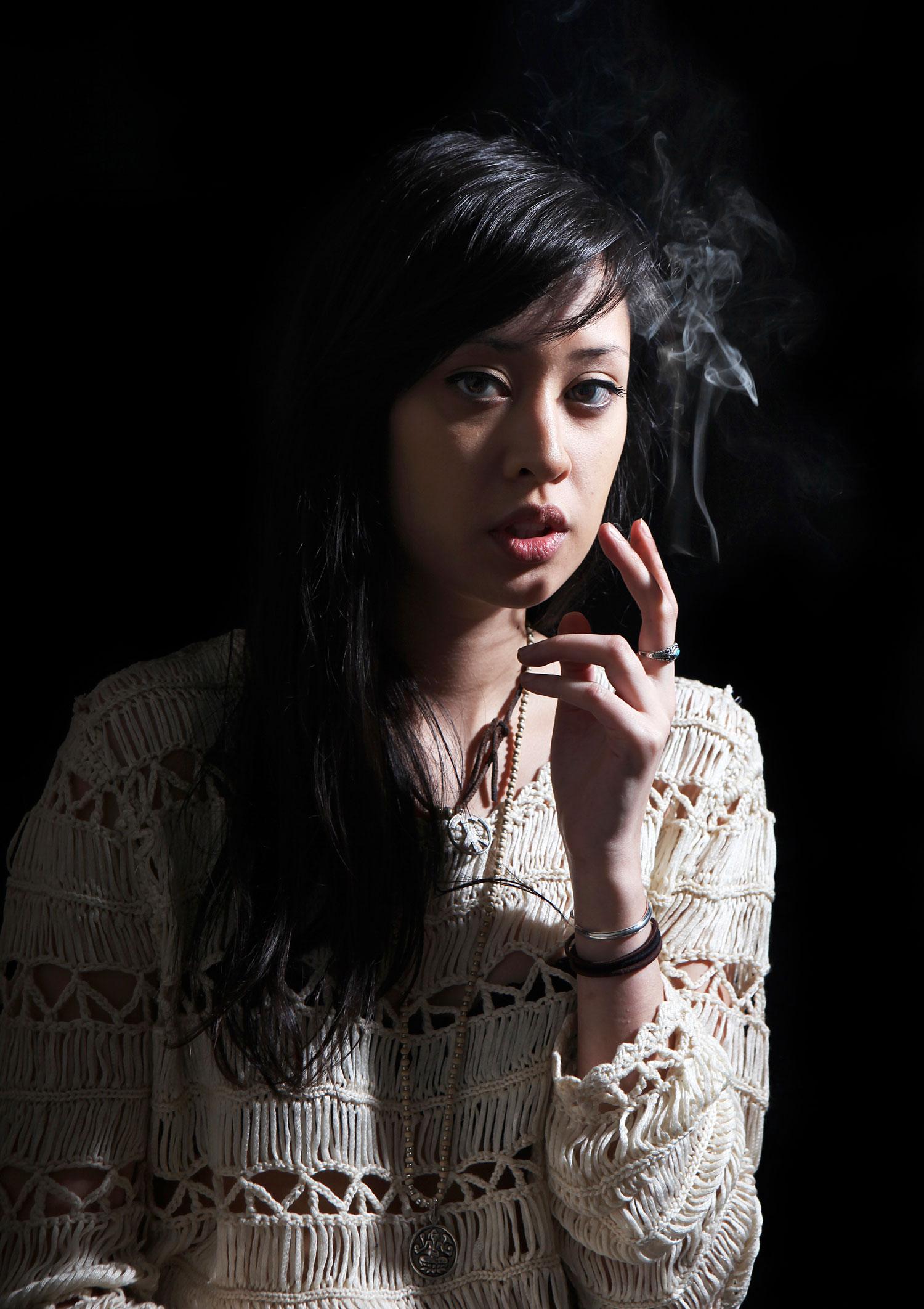 amanda-no-cigarette.jpg