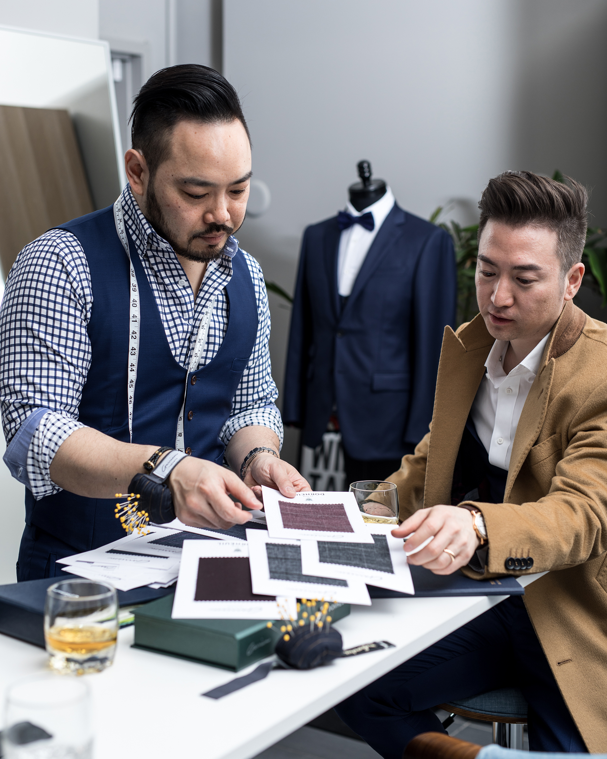 Bepoke-custom-suit-fabric-consult.jpg