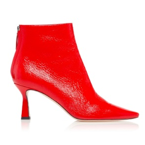 Wandler - Make them stare at these Lina Patent leather ankle booties. I'd opt for these in a pair of light wash girlfriend denim or even a printed moment like these.