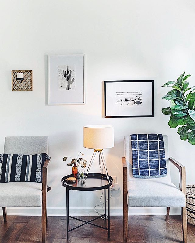 Happy Saturday! 🤠 Here's a picture of some cactus prints to make your day better. 🌵 #boom Enjoy your weekend! . . . . . #wildcatinterior #howyouhome #vignette #homestaging #howwedwell #relaxing #homedecor #interiorstylists #interiordecorating #greenery #apartmenttherapy #housetour #naturelovers #naturallight #earthinspiredhome #interiorstaging #interiorlovers #interior123 #nashvillestaging #dreamhome #interiordecorators #nashville #realestate #nashvillerealty #housebeautiful #transformation #thedecorsocial