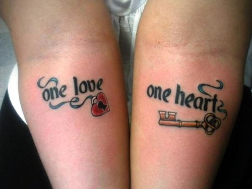 lock-and-key-tattoo-on-hands.jpg
