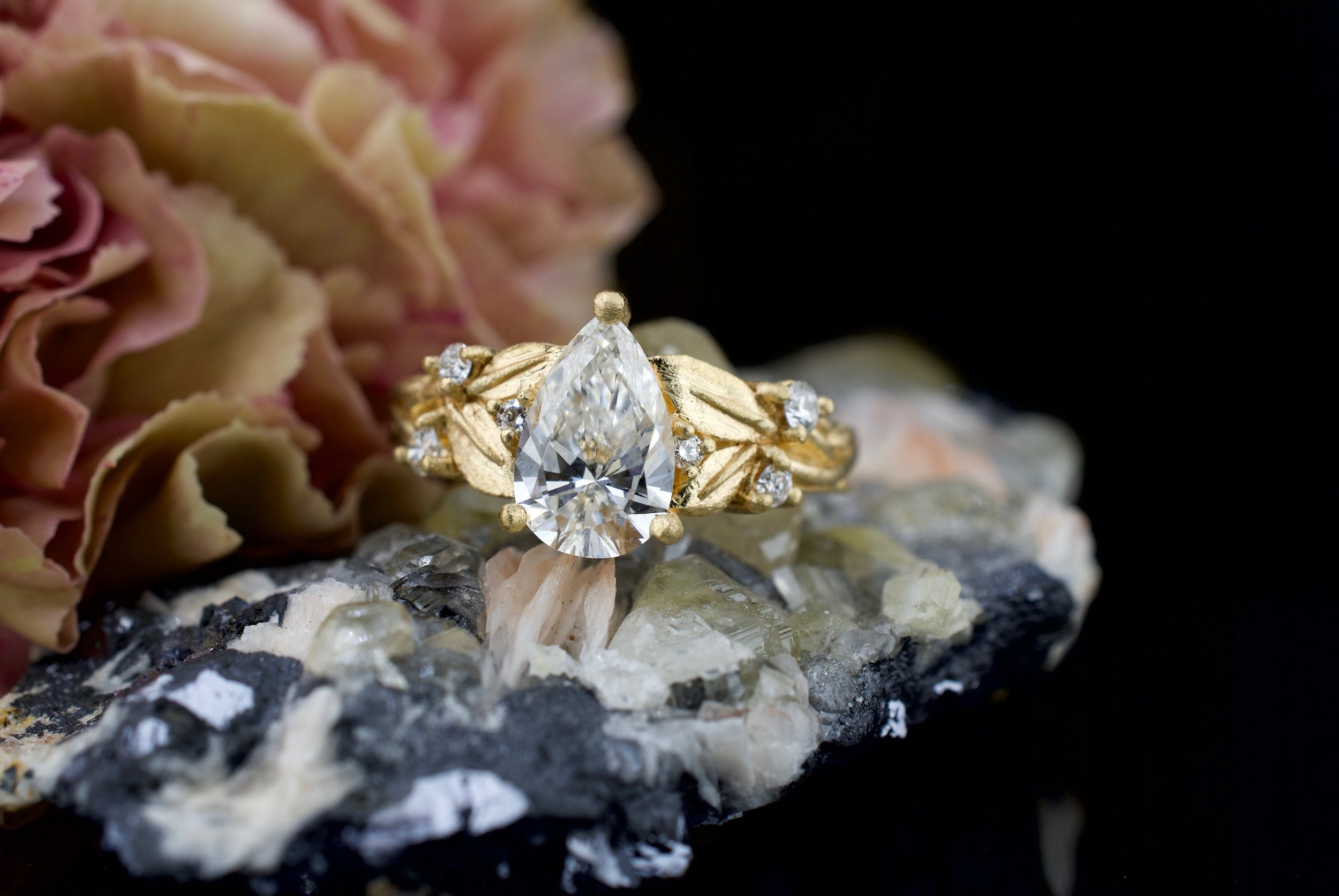 Meri-yellow-gold-diamond-pear-cut-natural-leaves-diamonds.jpg